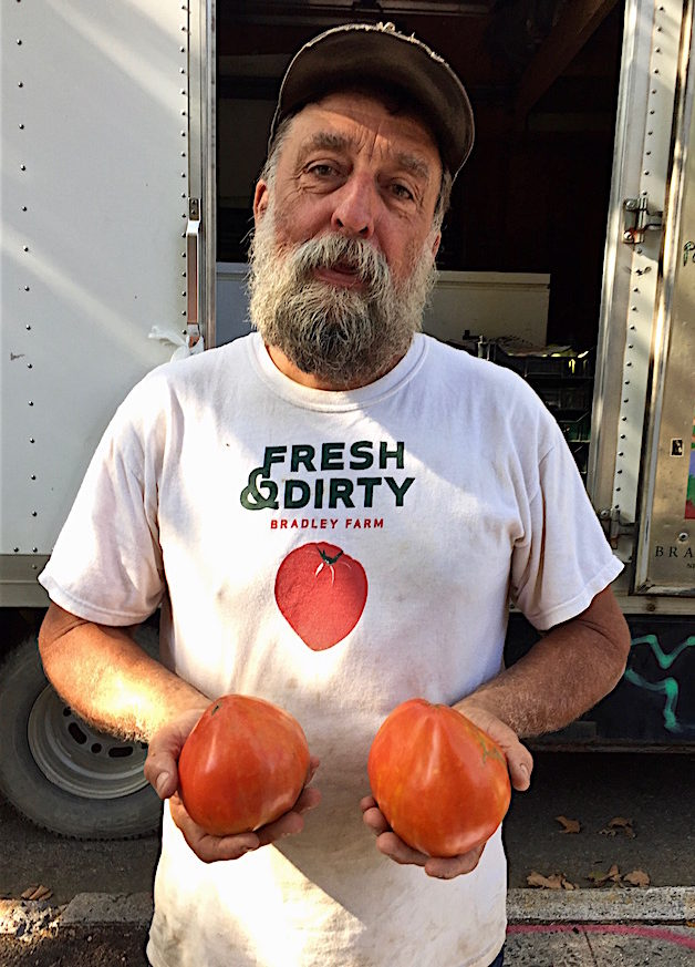 Ray Bradley with heirloom tomatoes at 97th Street Greenmarket